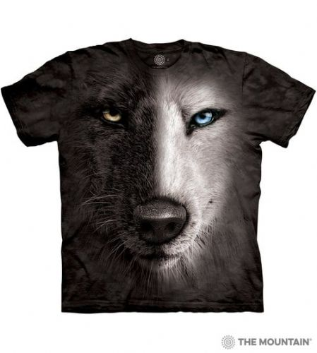 Black and White Wolf Face T-shirt | The Mountain®